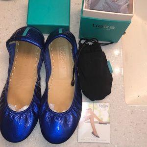 Sapphire Tieks size 9